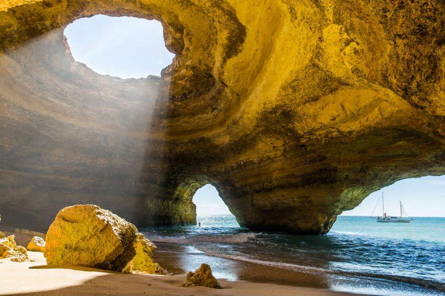 Flugreise Portugal - Benagil Höhle