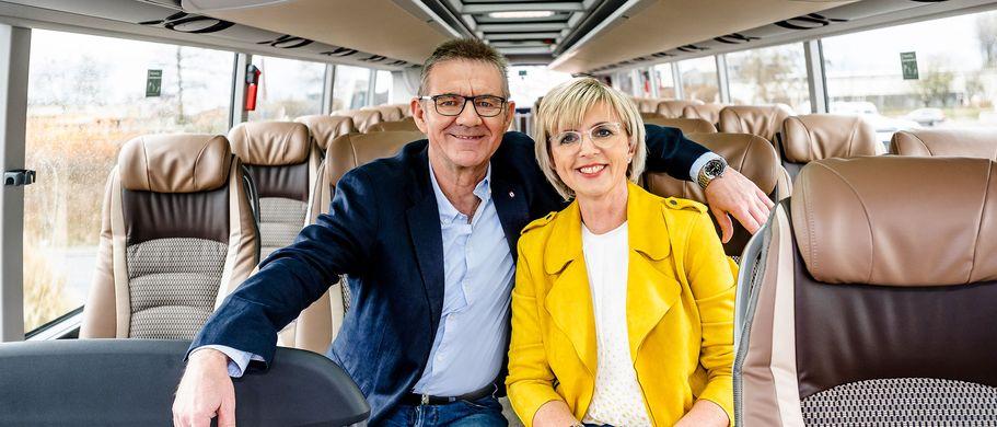 Familie Stenger im Reisebus