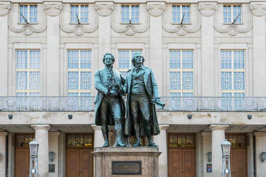 Städtereise Weimar - Goethe Schiller Statur